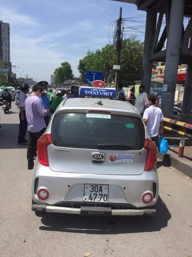"""Hà Nội xử lý hàng loạt taxi che biển số, làm khó """"mắt thần"""" trên phố - 3"""