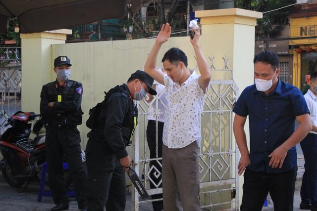 Xét xử vụ gian lận thi cử ở Sơn La: Cựu Giám đốc sở GD-ĐT xin vắng mặt - 4