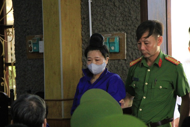 Xét xử vụ gian lận thi cử ở Sơn La: Cựu Giám đốc sở GD-ĐT xin vắng mặt - 9
