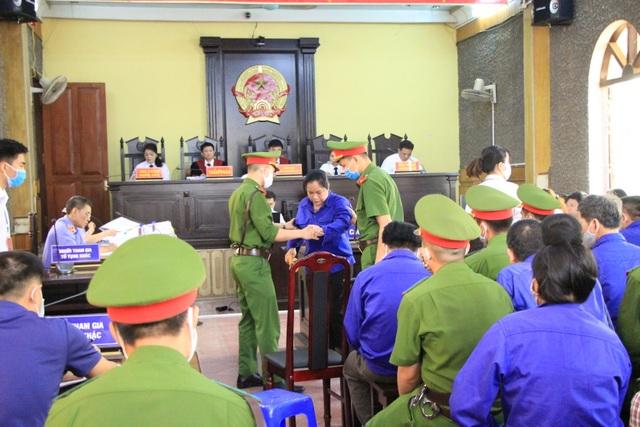 Xét xử vụ gian lận thi cử ở Sơn La: Cựu Giám đốc sở GD-ĐT xin vắng mặt - 12