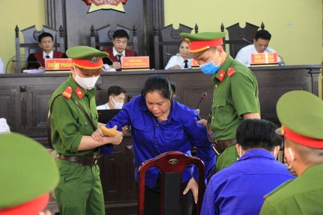 Xét xử vụ gian lận thi cử ở Sơn La: Cựu Giám đốc sở GD-ĐT xin vắng mặt - 13