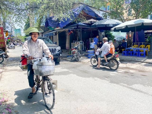 Hà Nội: Người lao động nhọc nhằn mưu sinh dưới nắng nóng đầu hè - 8