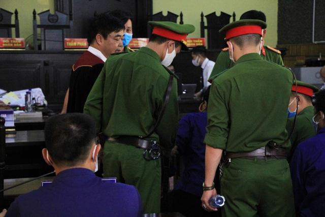 Xét xử vụ gian lận thi cử ở Sơn La: Cựu Giám đốc sở GD-ĐT xin vắng mặt - 11