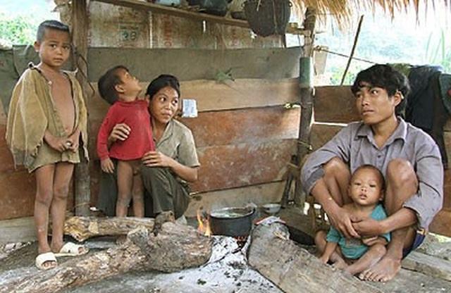 Không tham gia BHXH gia tăng nguy cơ đói nghèo - 1