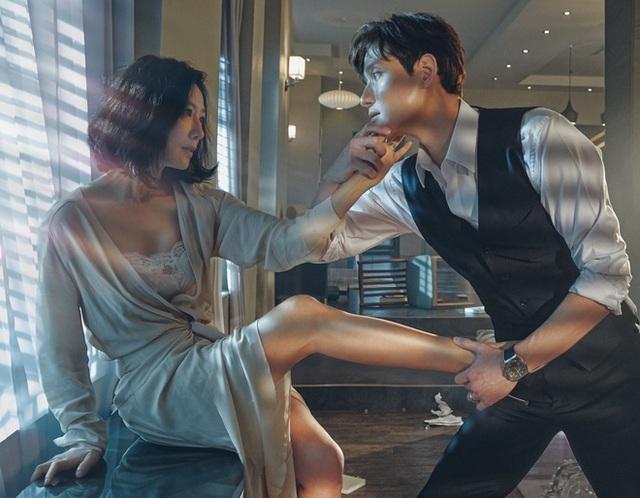 """Tại sao phim Hàn hay thích chọn diễn viên theo kiểu """"chị đại và phi công""""? - 1"""