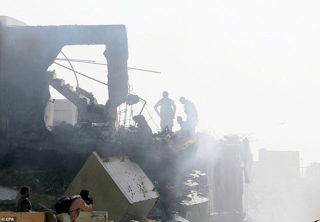 Hiện trường thảm khốc vụ rơi máy bay nghi làm 107 người thiệt mạng - 3
