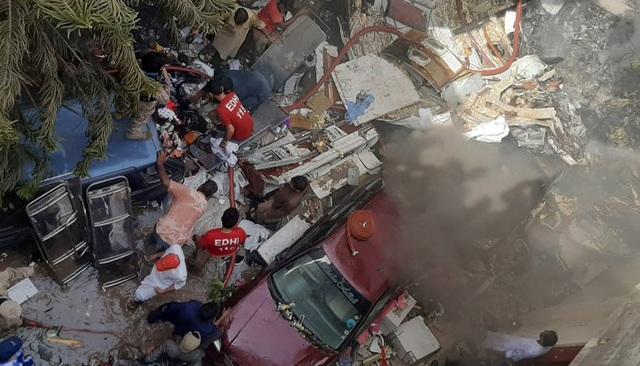 Hiện trường thảm khốc vụ rơi máy bay nghi làm 107 người thiệt mạng - 12