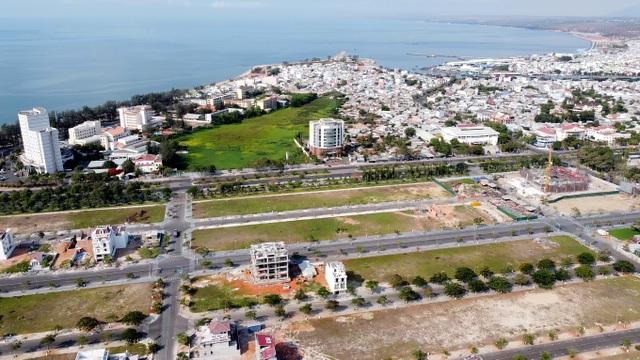 Cận cảnh sân golf Phan Thiết chuyển đổi sang khu đô thị đang bị kiểm tra - 8