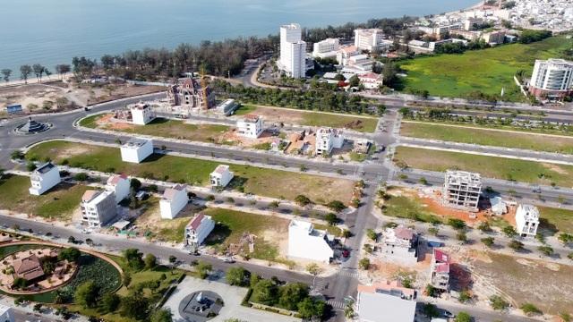 Cận cảnh sân golf Phan Thiết chuyển đổi sang khu đô thị đang bị kiểm tra - 9