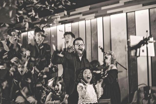 """Quán quân """"The Voice"""" (Mỹ) năm 2020: Một mục sư có 8 người con - 3"""