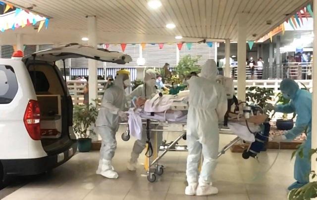 Đã chuyển phi công người Anh nhiễm Covid-19 sang Bệnh viện Chợ Rẫy - 4