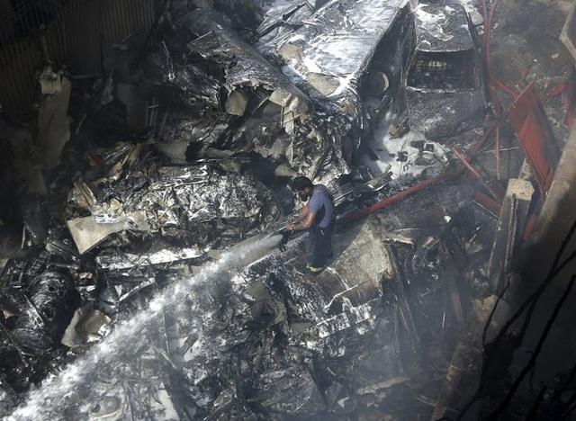 Hiện trường thảm khốc vụ rơi máy bay nghi làm 107 người thiệt mạng - 1