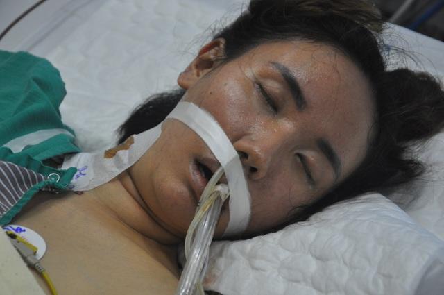 Người mẹ gục ngã cầu xin nhà hảo tâm dang tay cứu con gái - 2
