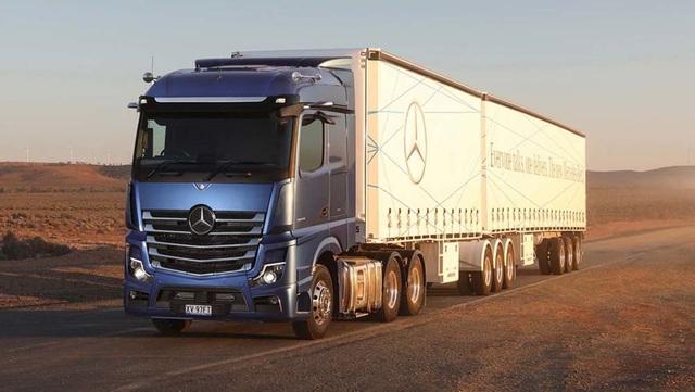 Mercedes nhanh chân vượt Audi về công nghệ gương chiếu hậu mới - 2