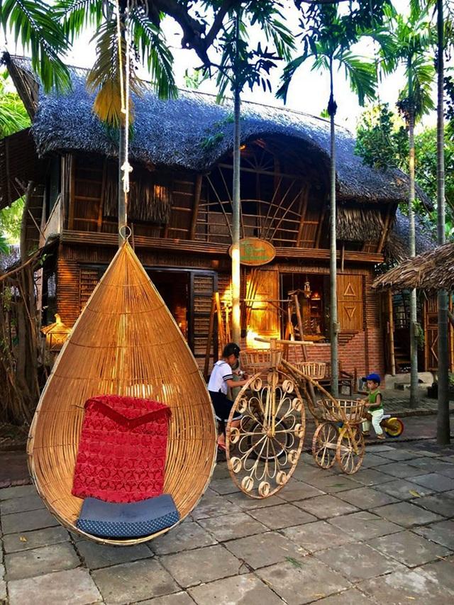 Ngôi nhà độc đáo làm bằng tre và dừa ở Hội An - 4