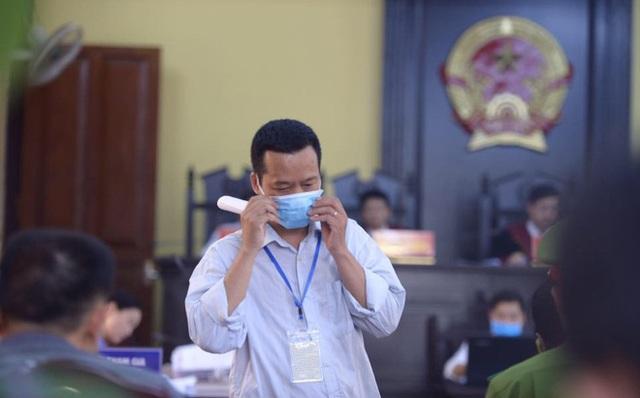 Gian lận thi cử Sơn La: Bị cáo mong được trả lại 1 tỉ đồng! - 2