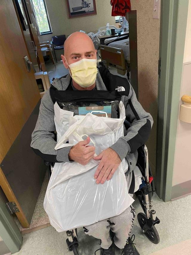 Virus corona đã tàn phá sức khỏe của một y tá khỏe mạnh như thế nào? - 2