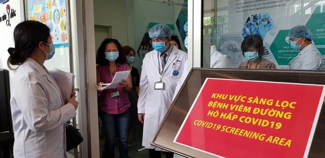 TPHCM: Sàng lọc Covid-19 tất cả những người vào bệnh viện - 2