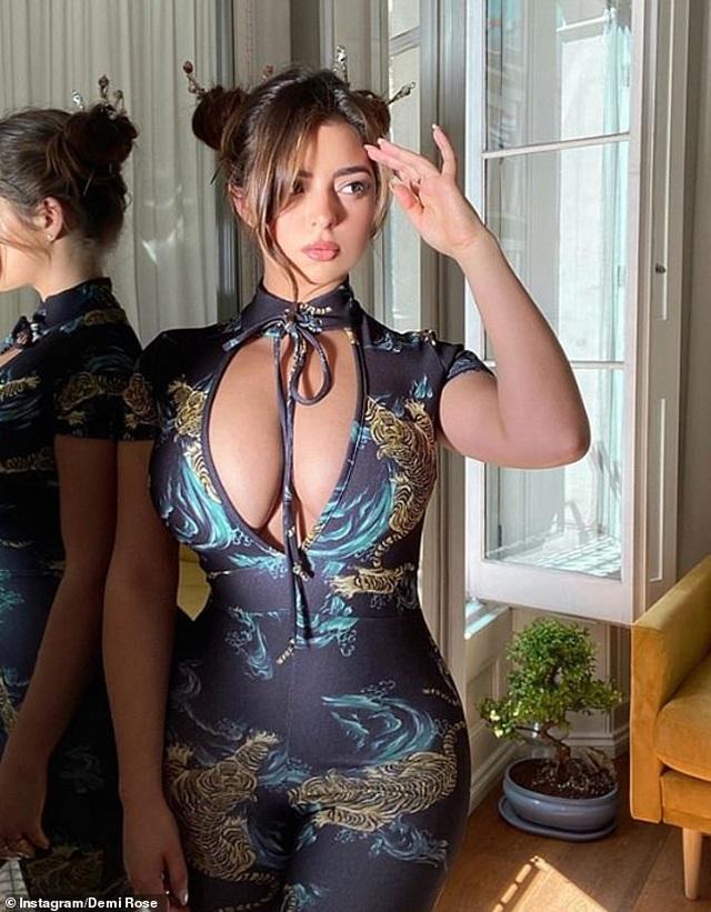 Hot girl Instagram Demi Rose phản pháo khi bị chê tăng cân - 2