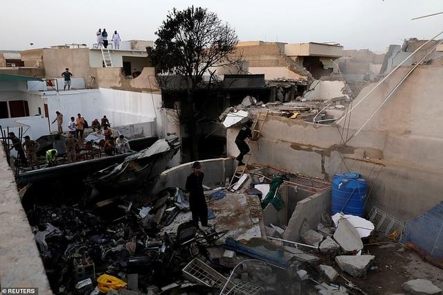 Giám đốc ngân hàng thoát chết thần kỳ vụ rơi máy bay chở 99 người - 5