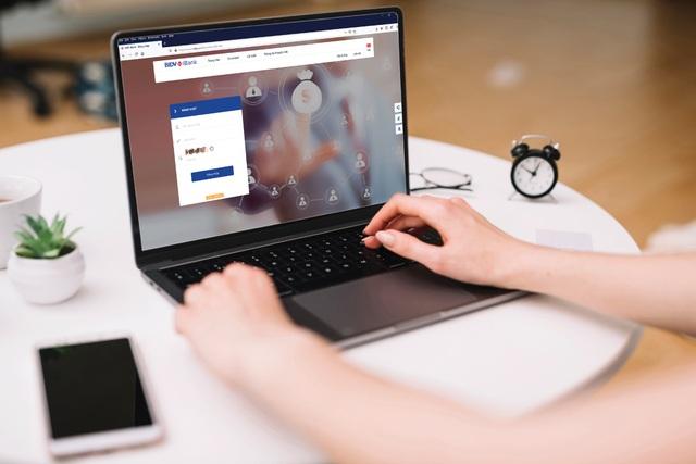 Cơ hội để doanh nghiệp tận dụng lợi thế từ ngân hàng điện tử - 1
