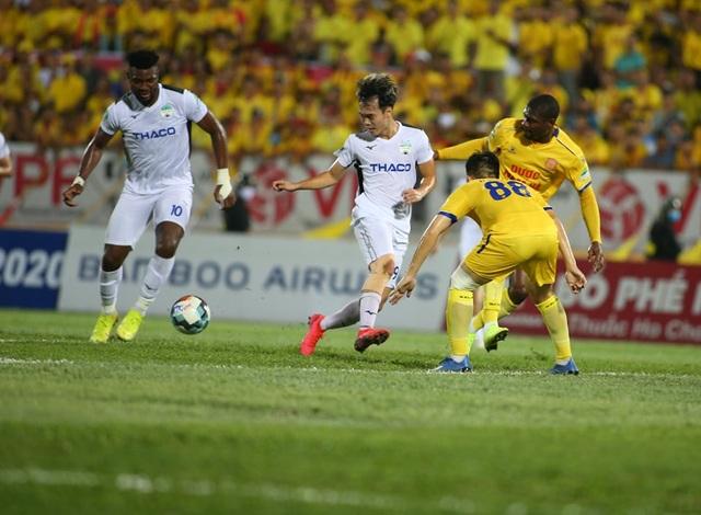 Vòng 3 V-League 2020: Đại chiến ở sân Hàng Đẫy - 2