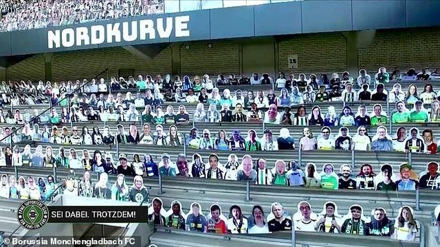 Monchengladbach gây sốc khi phủ kín sân bằng 13.000 ảnh cổ động viên - 4