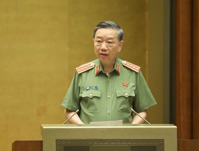 Bộ trưởng Công an báo cáo kế hoạch bỏ sổ hộ khẩu - 1