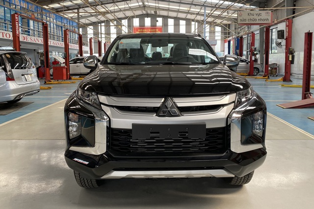 Chiếc ô tô này đang được giảm giá kỷ lục gần 140 triệu tại Việt Nam - 1