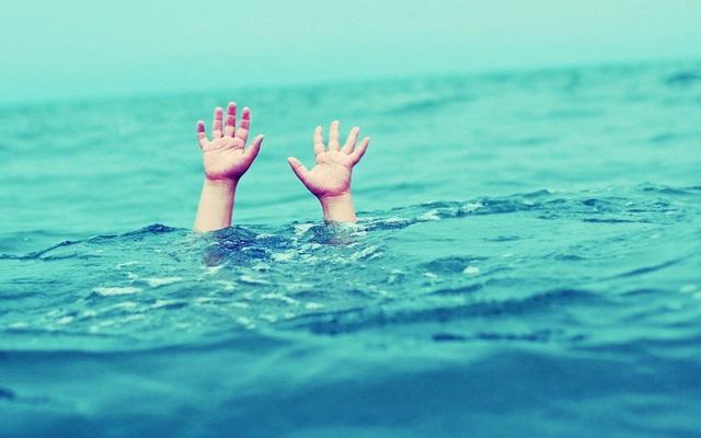 Đi tắm hồ, 2 học sinh đuối nước thương tâm - 1