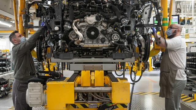 Bên trong nhà máy ô tô đầu tiên ở Anh có chứng nhận An toàn với Covid-19 - 10