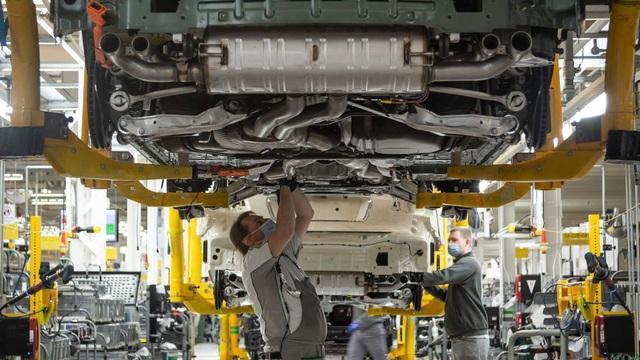 Bên trong nhà máy ô tô đầu tiên ở Anh có chứng nhận An toàn với Covid-19 - 9