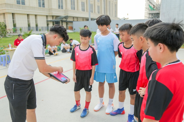 Khởi động giải Futsal học sinh THPT tranh cúp ĐH Văn Lang lần 1- 2020 - 1