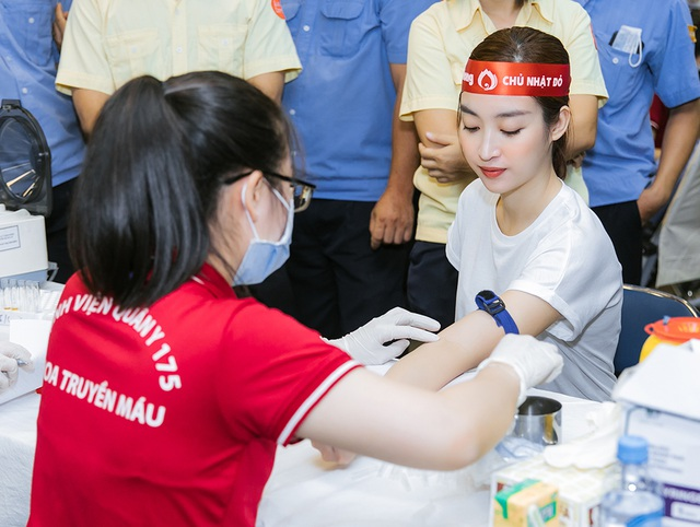 Hoa hậu Đỗ Mỹ Linh, Trần Tiểu Vy cùng dàn Á hậu đi hiến máu nhân đạo - 5