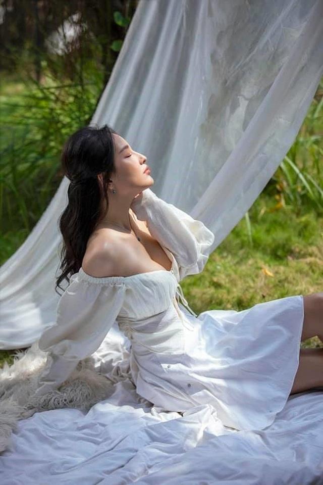 Mai Phương Thúy diện áo tắm hở bạo sau thời gian giảm cân - 11