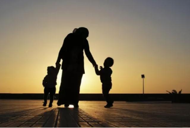 Dừng lại 2 cuộc hôn nhân chắp vá để tìm chốn bình yên cho con - 1