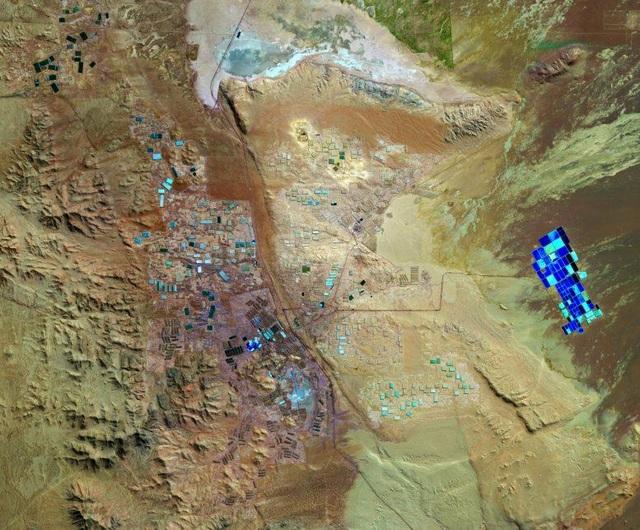 Mỏ khoáng sản rộng lớn ở sa mạc Atacama nhìn từ không gian - 1