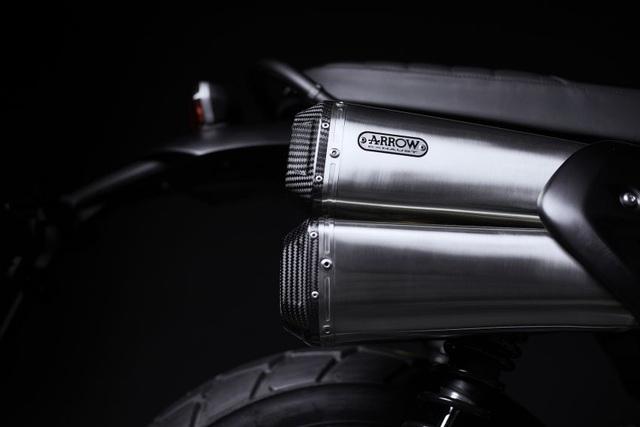 Cận cảnh hàng hiếm Triumph Scrambler 1200 Bond Edition 2020 - 9