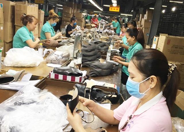 Công ty giày da Huê Phong sẽ cắt giảm thêm gần 1.600 lao động - 1