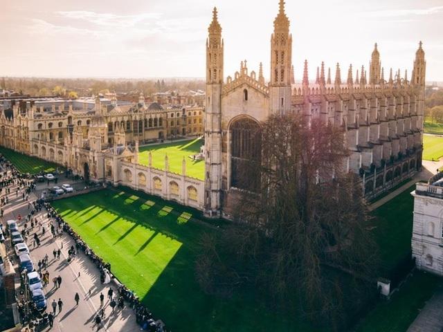 Đại học Cambridge chuyển 100% bài giảng sang dạng trực tuyến năm học tới - 1