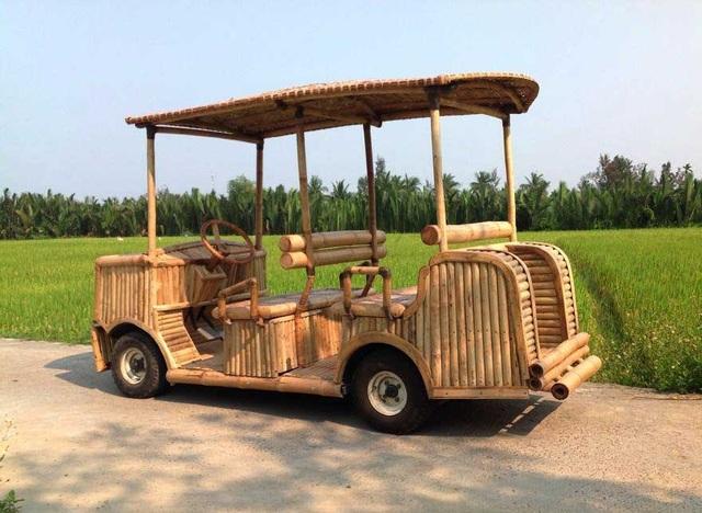 Độc đáo mô hình xe máy, ô tô, tàu hỏa làm từ tre Việt - 7