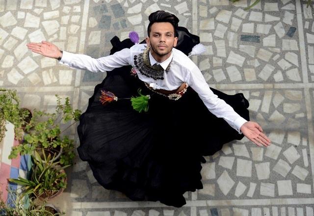 Vượt qua định kiến để trở thành nam vũ công múa bụng đầu tiên Ấn Độ - 1