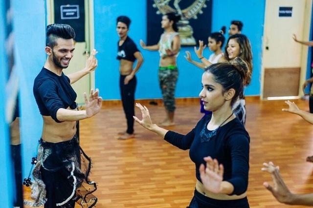 Vượt qua định kiến để trở thành nam vũ công múa bụng đầu tiên Ấn Độ - 6