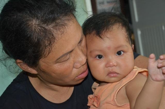 Xót xa cảnh gia đình nghèo cùng cực bị bệnh tật bủa vây không lối thoát - 5