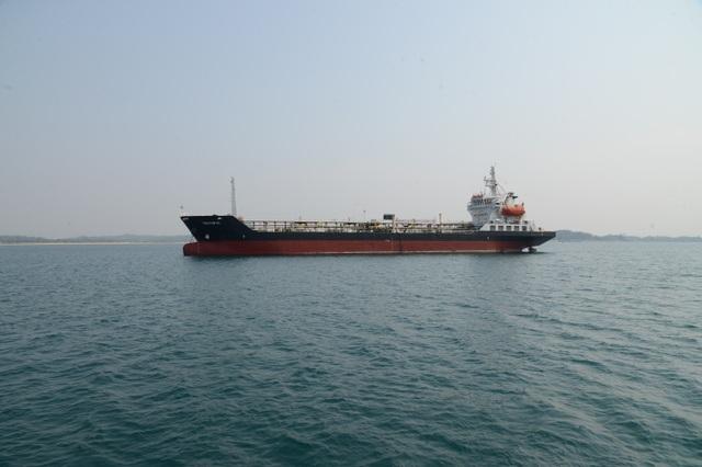 Giá dầu thế giới tăng, thị trường xăng dầu Việt Nam khởi sắc theo - 1