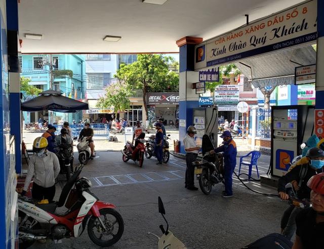 Giá dầu thế giới tăng, thị trường xăng dầu Việt Nam khởi sắc theo - 2