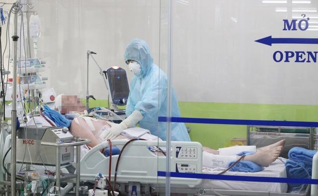 Phi công người Anh nhiễm Covid-19 bị suy giảm miễn dịch kéo dài - 1