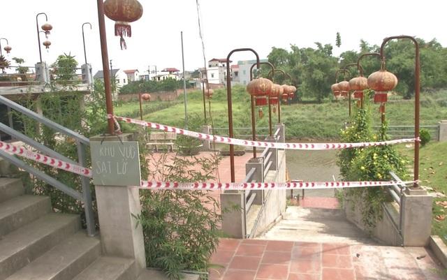 Ngôi đền nghìn năm tuổi ở Hà Nội đối diện nguy cơ bị cuốn trôi - 6