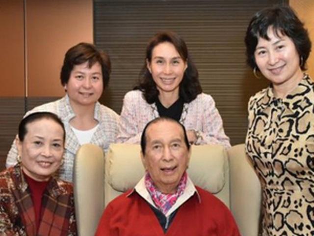 Cha chồng là tỉ phú vừa qua đời, siêu mẫu Hề Mộng Dao trở thành tâm điểm - 3