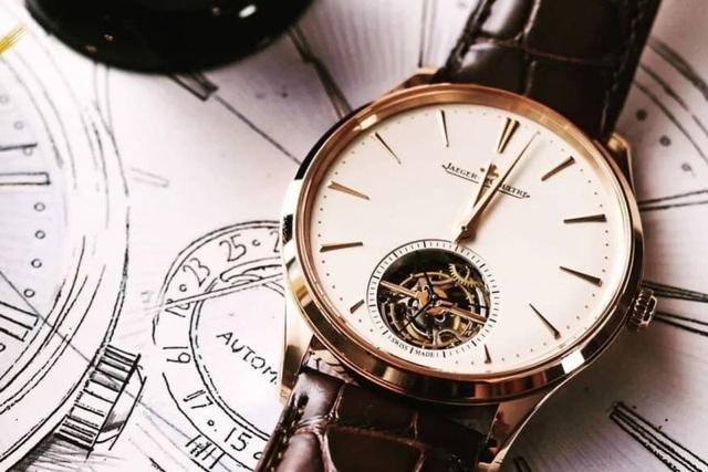 Đây là cách nghệ nhân tạo ra chiếc đồng hồ đeo tay trị giá hàng triệu USD - 1